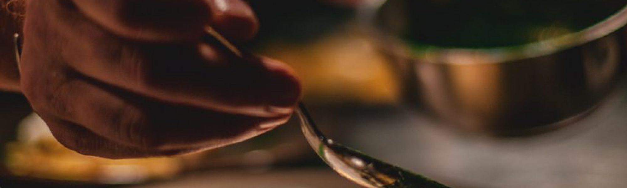 blur-chef-close-up-2403391